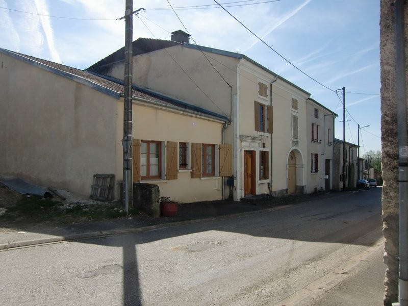 Melay centre ville vente maison 9 pi ces 193m2 63 for Garage auto igny